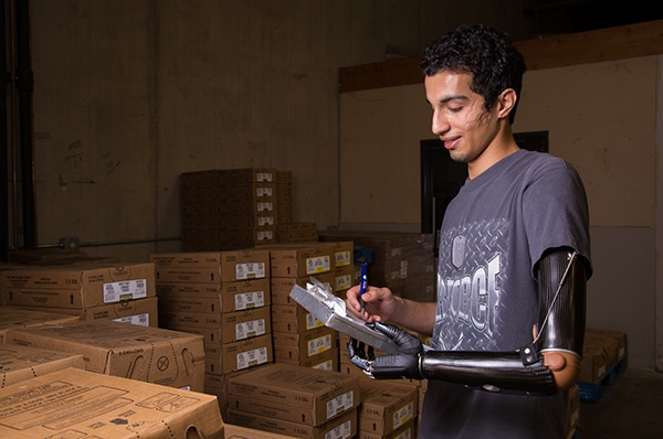 AD patient successfully working in warehouse
