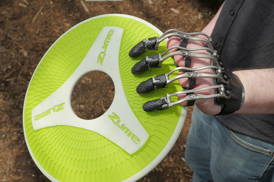 Naked Prosthetics MCP Drivers Throwing Frisbee