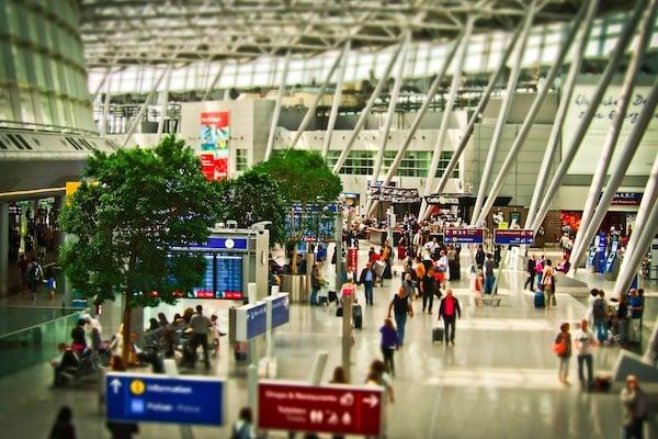 airportsmaller -1515448_19