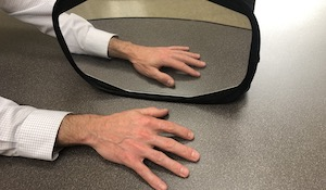 Graded Motor Imagery: Mirror Therapy Explanation and Steps
